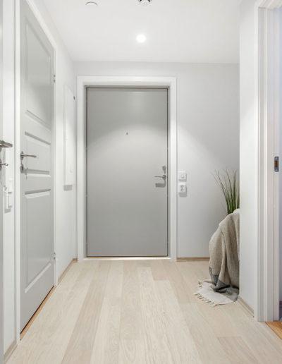 H02-101 01 Hallway a