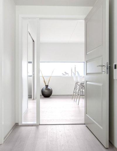 H02-101 01 Hallway b