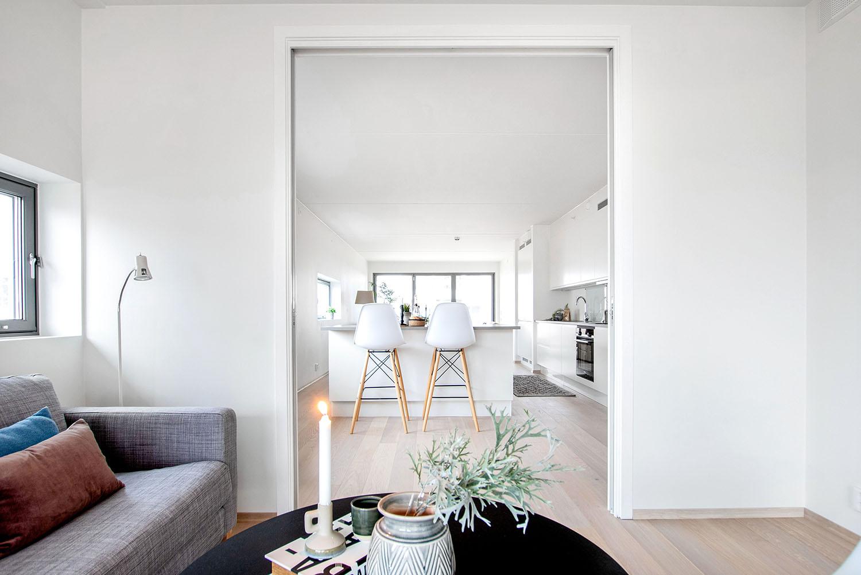 H02-101 02 Livingroom 2b