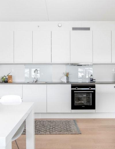 H02-101 04 Kitchen a