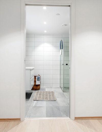 H02-101 05 Bath a
