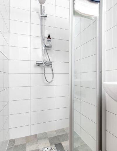 H02-101 05 Bath e