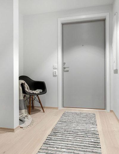 H02-103 03 Hallway a