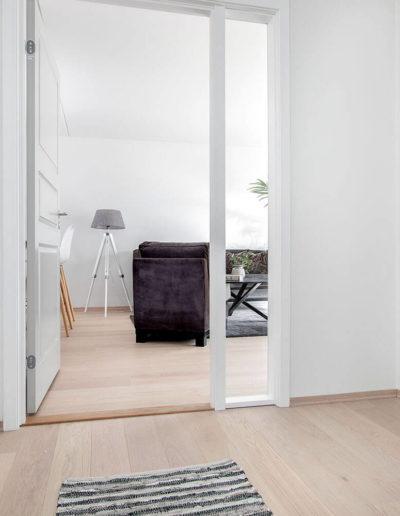 H02-103 03 Hallway b
