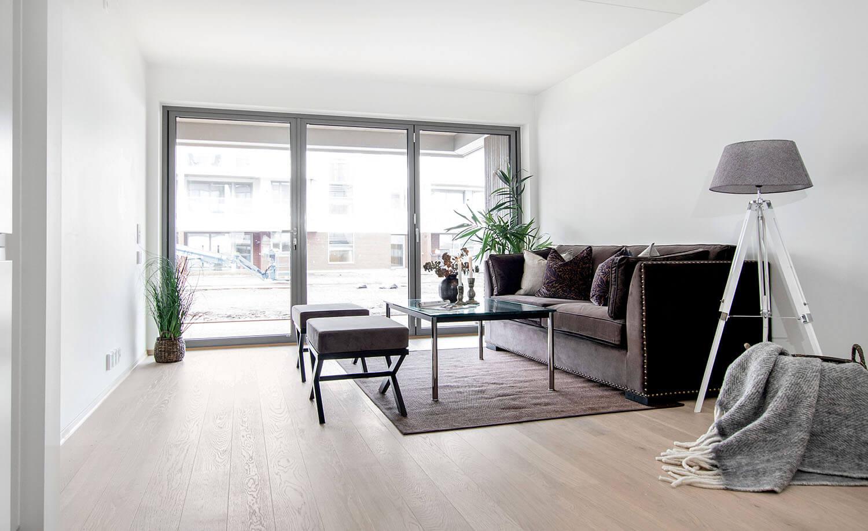 H02-103 04 Livingroom a