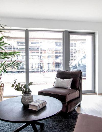H02-103 04 Livingroom d