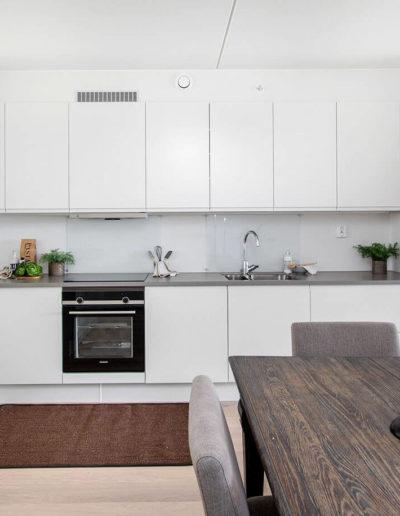 H02-103 05 Kitchen c