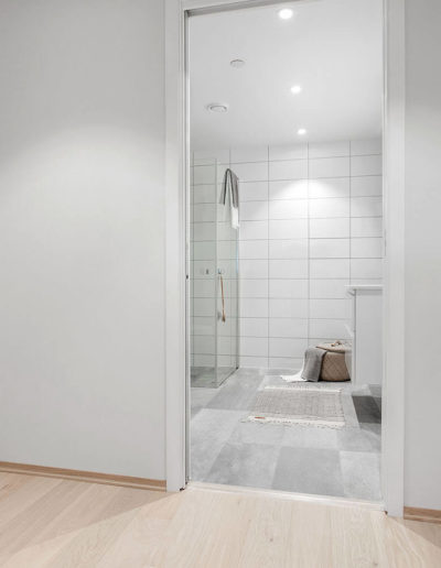 H02-103 07 Bath a