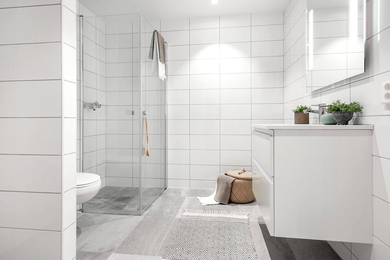H02-103 07 Bath b