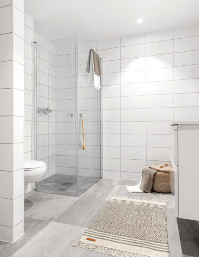 H02-103 07 Bath c