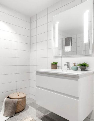H02-103 07 Bath d