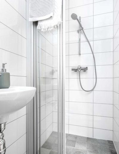 H02-103 07 Bath e