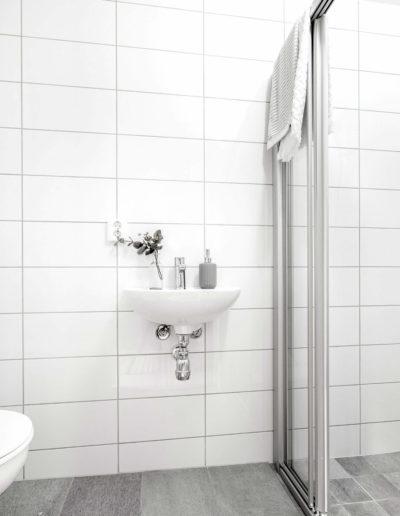 H02-103 07 Bath f