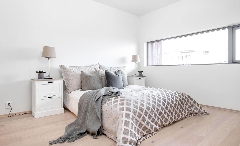 H02-103 08 Bedroom 2a