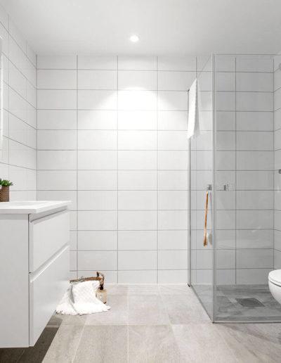 H02-201 05 Bath b