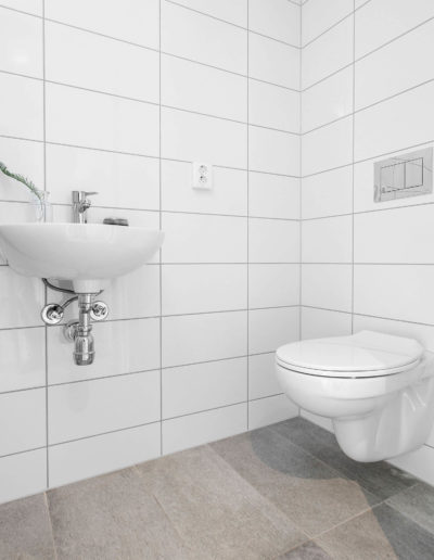 H02-201 05 Bath c