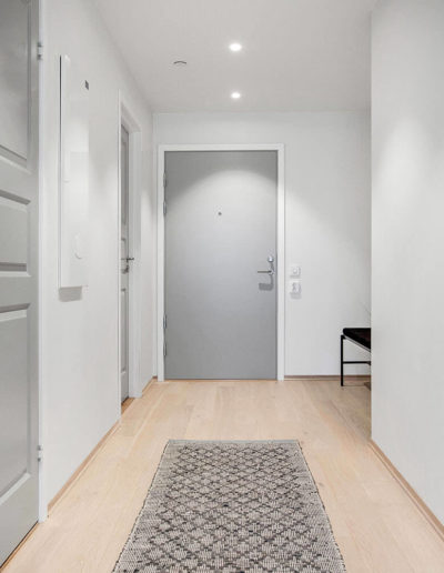 H02-301 01 Hallway
