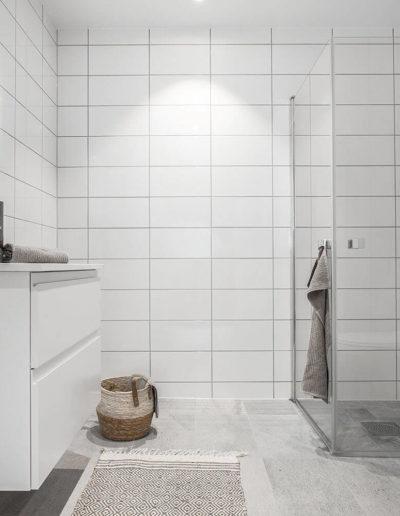 H02-301 05 Bath c