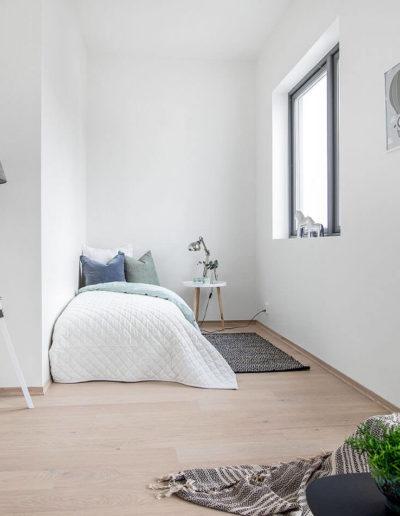 H02-301 06 Bedroom 1a