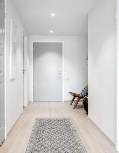H02-401 03 Hallway a