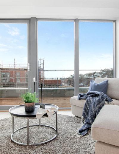 H02-401 04 Livingroom a
