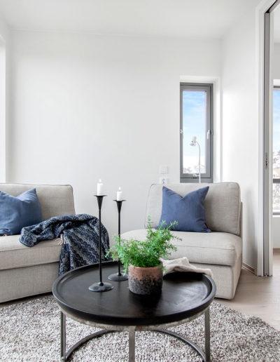 H02-401 04 Livingroom b