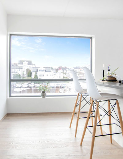H02-401 04 Livingroom d