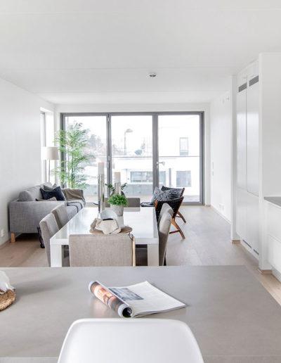 H02-401 04 Livingroom f