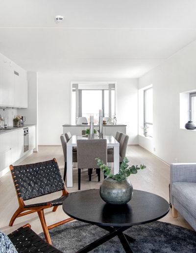 H02-401 04 Livingroom h