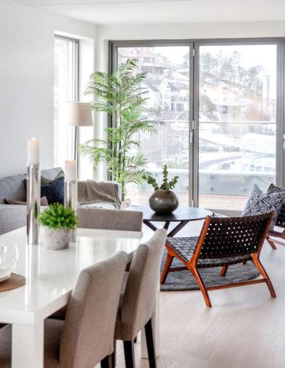 H02-401 04 Livingroom j