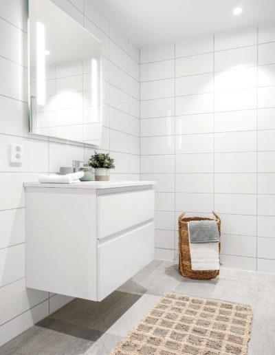 H02-401 07 Bath c
